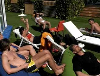 creme e spray solari abbronzanti LR Wonder sponsor partner Grande Fratello GF GF16